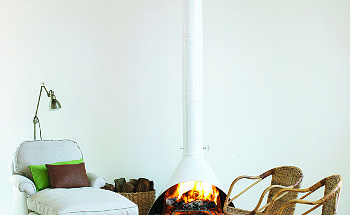 freestanding-fireplace-designs-freestanding-fireplaces-in-the-living-room-part-1-47494